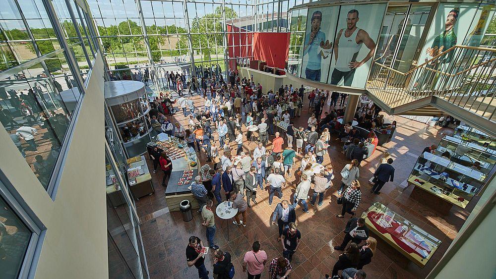 Bäckertage, Backaldrin, Kornspitz, Semmelkaiser, Menschenmenge